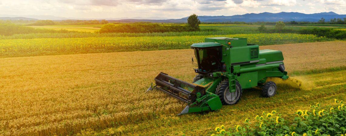 Reinigungs und Pflegeprodukte für Land und Forstwirtschaft